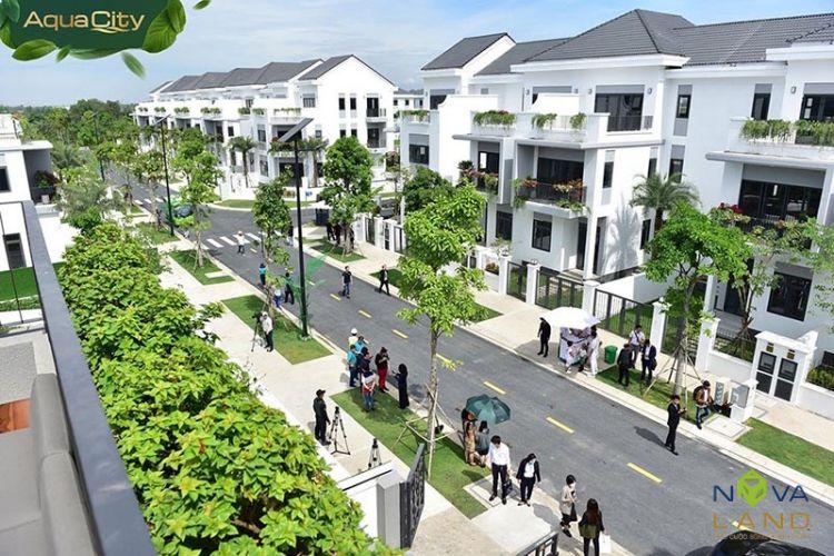 Nhà phố trong dự án đô thị Aqua City